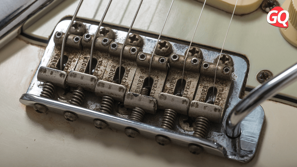 Differences between Stratocaster saddles: vintage and block