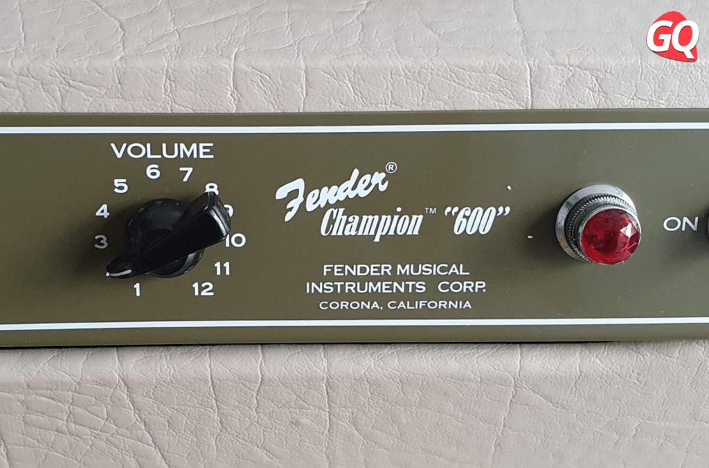 """Fender Champion """"600"""": um amplificador com um único controle, um botão de volume."""