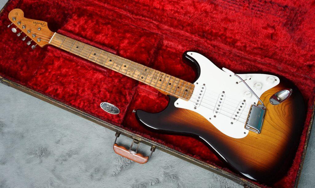 Fender Stratocaster 1954 de Fresno y mástil en una sóla pieza de arce.